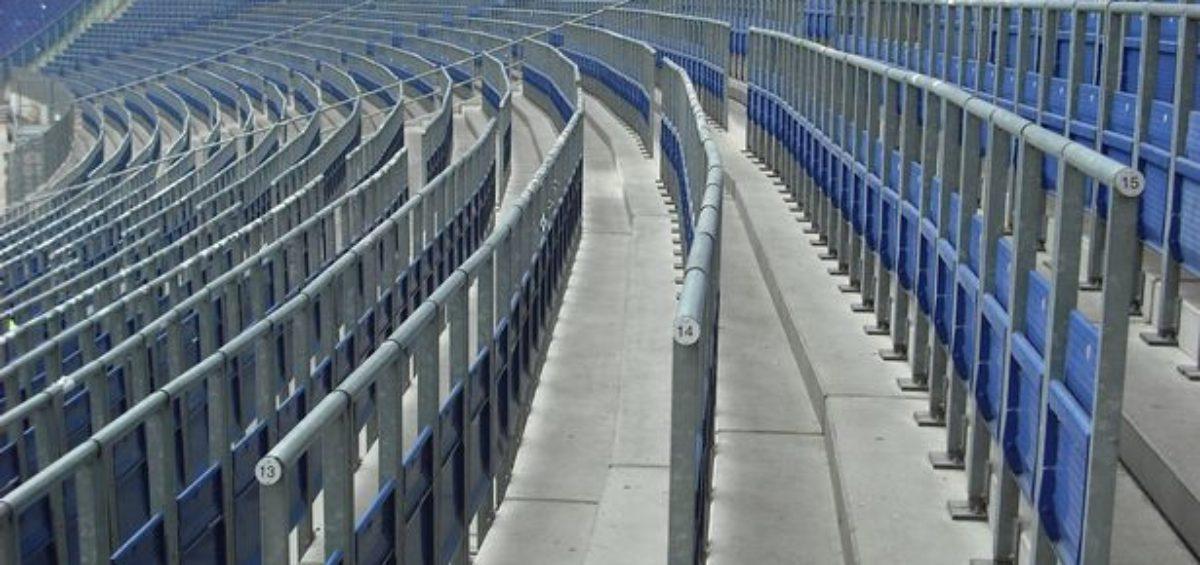 United consulta fãs sobre criar setor em Old Trafford para assistir jogos em pé